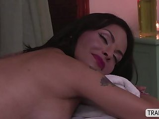 Mature TS Foxxy gets a sensual massage and she gets banged on ass