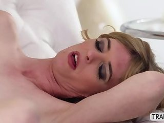 Latina transgirl Mandy gets her butt hole ripped by a guy