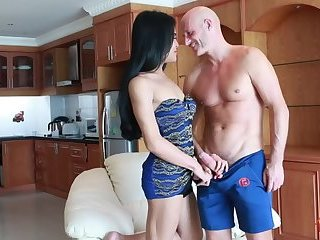Butt Banging Ladyboy Benz
