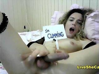Cruly cute tgirl cumming