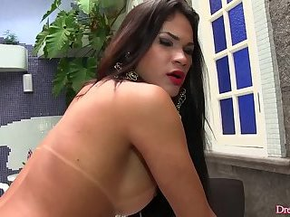 Two Guys Fuck Sultry Webcam girlErica Lee in the Ass and Mouth