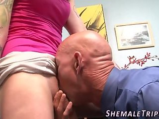 Rimmed shemale pounded