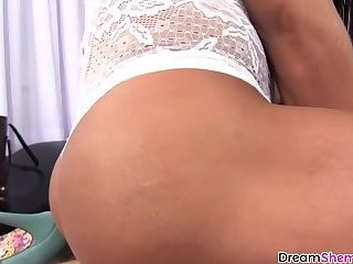 Brazilian shemale with big booty barebacked after massage