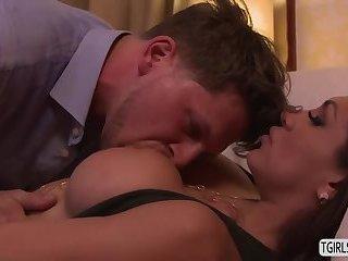 Latina ts Jessy Dubai gets an anal fuck on the coach