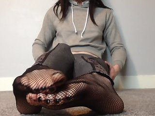 Fishnet feet soles and toes