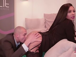 Ingrid moreira fucks hard guy in his first time!