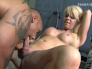 MILF TS fucked in the gym