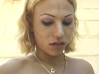Niky Muniky - T-Girls On Film 95