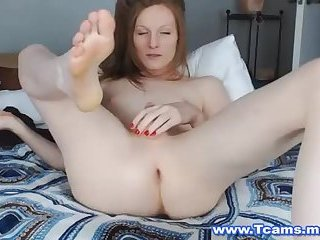 Flawless Tranny Pleasures Her Tight Hole