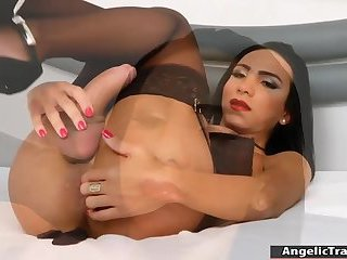 Big tits latin tranny jerks off her dick