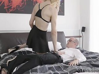 Nerdy assistant gets fucked by Casey Kisses