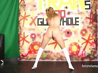 Slim Sexy Sarita Fox In Glory Hole action