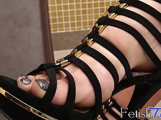 Raphaella Vasconcelos shows off her sexy feet and body