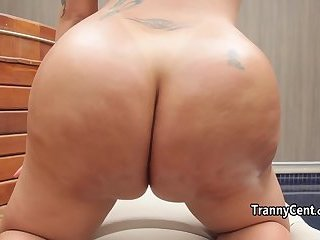 Massive tranny ass stuffed with cock