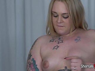 Curvy Blonde Amira Passion!