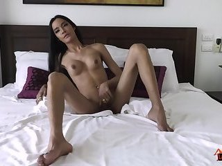 Shemale Busting A Nut - Shemale Tube - Free Shemale and Tranny Porn Videos