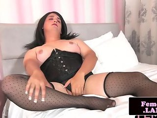 Curvy femboy wanking off and teasing