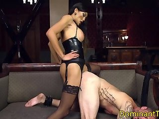 Dominant asian TS flogging her bound hunk