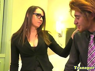 Spex tranny anally banged after getting a bj