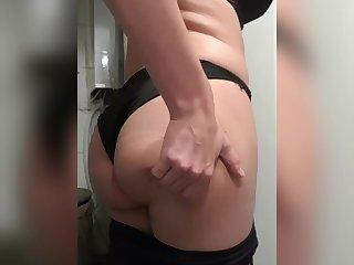Sexy ass crossdresser trying to wear leggings - Jasmientje Cavaro