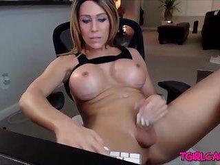 Sexxxy jade tube