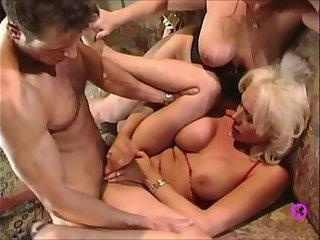 Gia Darling Threesome