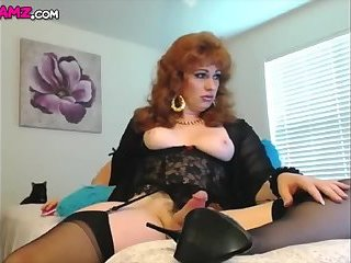 Mature redhead femboy jerking big webcam