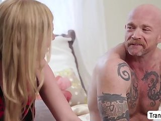 TBabe Mandy Mitchell fucks Transman Buck Angels pussy