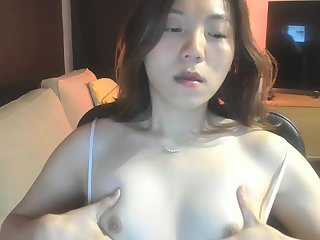 Sexy Amanda Wu jerks off and cums in her hand