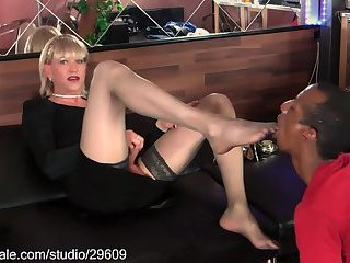 Hot Tanny with black footslave