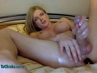 Big tits tranny intense masturbating