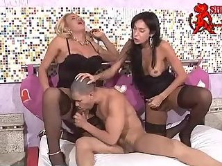 Isabel and Lorena double penetration into Tony Lee