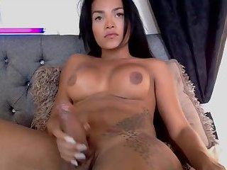 Trick Hot TS Girl Brazilian Cum On Webcam