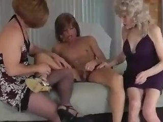 Crossdressers Discovering