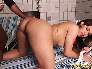 Shemale beauty with nice curves blacked up her big butt