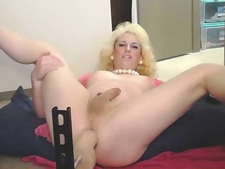 TS Cassandra Love with huge dildo