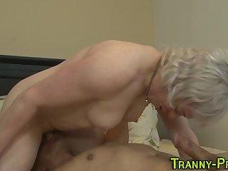 Tranny hos mouth spermy