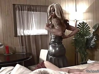 Ebony tranny in fishnets anal bangs dude
