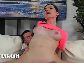 Milf shemale gets a very deep anal