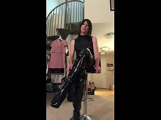 MISTRESS GALORE YOUR DOMINATRIX FOR SISSIFICATION