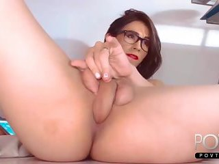 Shemale self fuck putting dick in butt hole
