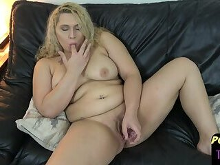 Curvy post op shemale uses kinky toy