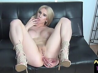 Bigtitted post op beauty drills her new pussy