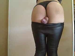 AMAZINGLY HOT SISSY BOY CUMS HANDS FREE IN LEATHER LEGG
