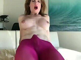 Delia DeLions amazing cumshot