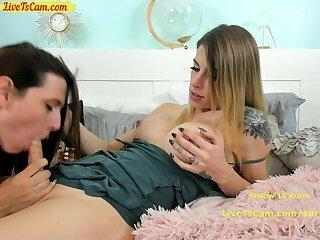 Lesbian TS couple Webcam