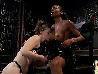 Hot feet licking sub chick jerks off ts babe