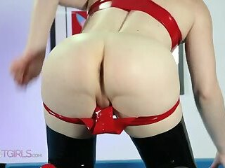 Sexy tgirl shows tease her asshole & pee.