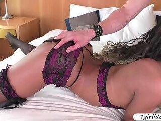 Ebony Tgirl Yanka Meirelles enjoys bareback sex