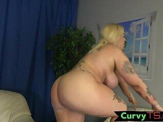 Curvy bigtits tranny stroking hard wang